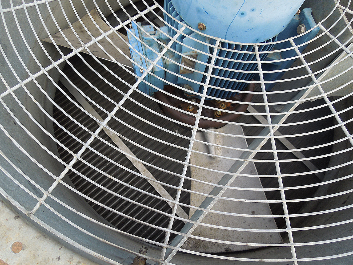 Solve cooling problems from corrosion and contamination at fanSolve cooling problems from corrosion and contamination at fan